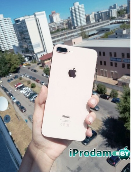 iPhone 8+ Gold 64 gb 780$